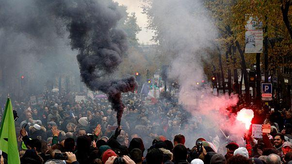 Paris, İslamofobi karşıtı yürüyüş