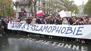 Париж выступает против исламофобии