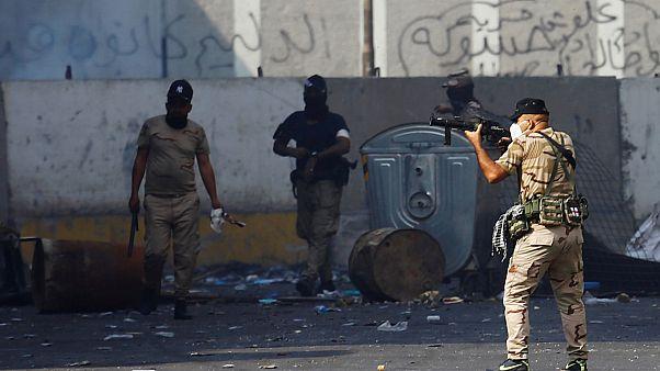Бетонные заграждения в Багдаде