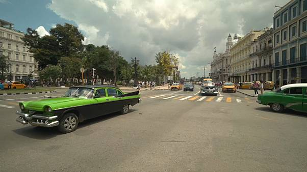 Esperando a los reyes de España en Cuba