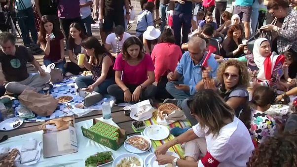 Un picnic contra la corrupción en Líbano