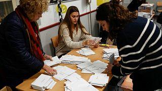 تصدر الحزب الاشتراكي وصعود لليمين المتطرف في الانتخابات التشريعية الإسبانية
