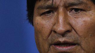 Belebukott a választási csalásba a bolíviai elnök