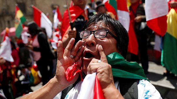 Βολιβία: Ο Μοράλες παρέδωσε την εξουσία-Πανηγυρισμοί στην Λα Πας