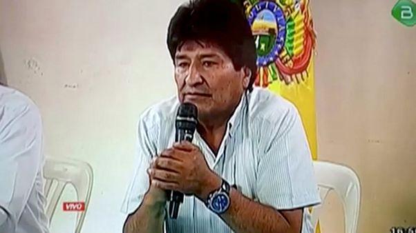 الرئيس البوليفي ايفو موراليس لحظة إعلانه استقالته عبر التلفزيون - 2019/11/10
