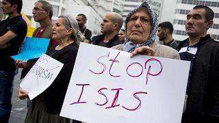 Turquía comienza a deportar a miembros del grupo Estado Islámico