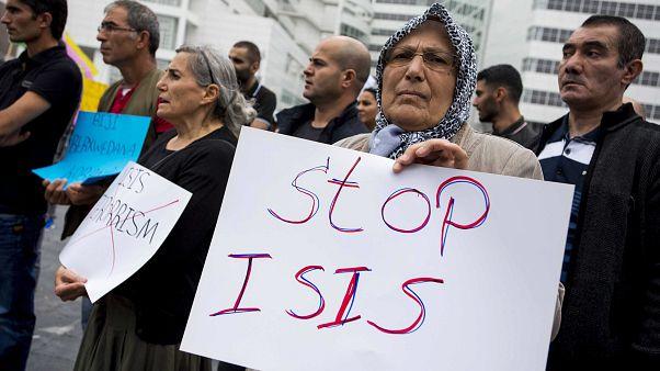 Turquia repatria membros do grupo Estado Islâmico
