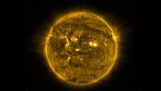 Merkur zieht an der Sonne vorbei - ein seltenes Naturschauspiel