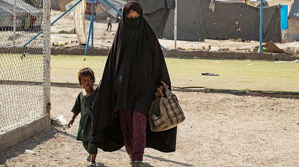 Lahey mahkemesi: Hollanda IŞİD'e katılan kadınların çocuklarının ülkeye getirilmesinde aktif olmalı