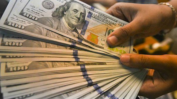 تعقیب و گریز دلار رسمی و آزاد؛ سکه از ۴ میلیون تومان گذشت