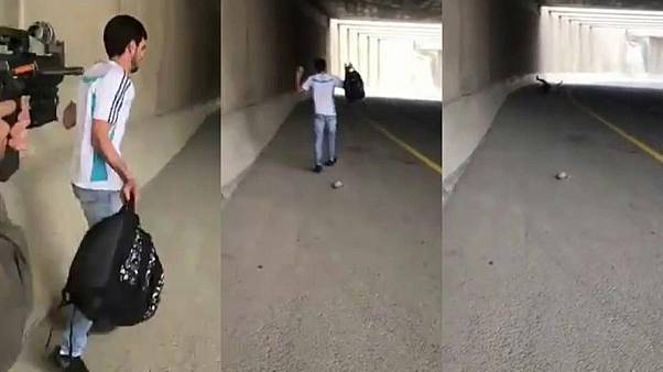 Filistinli gencin plastik mermi ile vurulma anları
