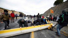 Katalonien: Aktivisten blockieren Autobahn zu Frankreich
