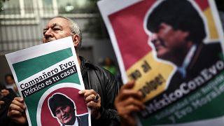 Morales-Unterstützer vor der bolivianischen Botschaft in Mexiko City