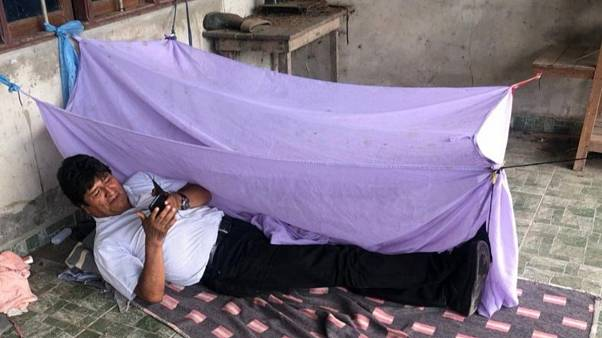 #VictimaChallenge las redes sociales reinterpretan la foto de Evo Morales