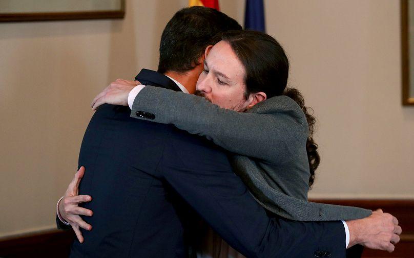 Socialistas e izquierda radical alcanzan preacuerdo para formar gobierno en España