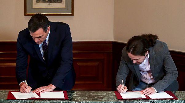 رئيس الوزراء الإسباني المنتهية ولايته بيدرو سانشيز  ورئيس حزب يونايتد بوديموس بابلو إغليسياس