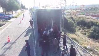 Δεκάδες μετανάστες με προορισμό τη Λέσβο εντοπίστηκαν σε φορτηγό
