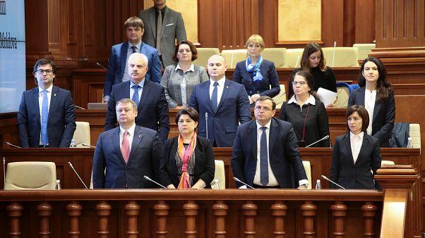 Moldova: megbukott a korrupció elleni harcot zászlajára tűző Maia Sandu kormánya