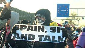 ویدیوی تکان دهنده از برخورد پلیس فرانسه با جدایی طلبان کاتالونیا در مرز اسپانیا