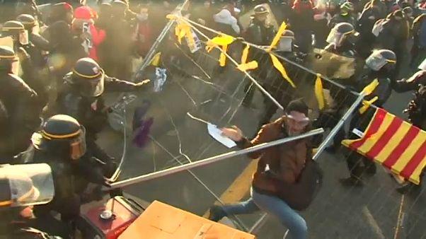 Katalonien: Gewaltsame Auflösung von Blockaden