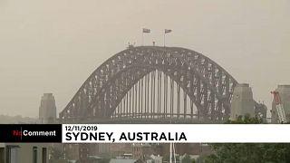 Sydney városát az ausztrál tüzek füstje borítja