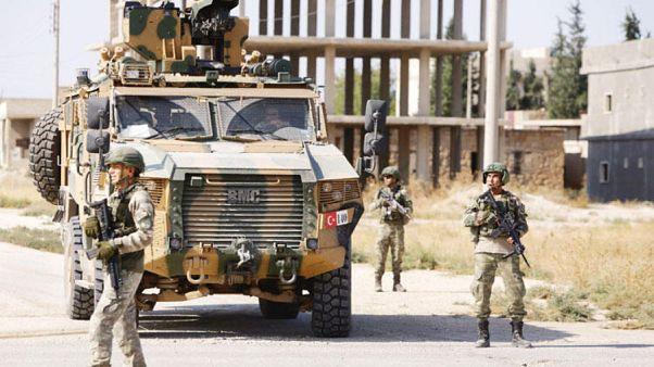 Türk askerleri Suriye'de iki Kobaniliyi öldürdü iddiası