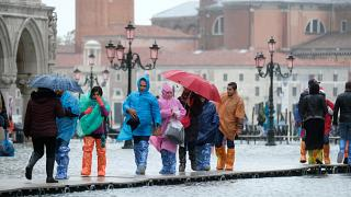 El fenómeno del 'agua alta' inunda las calles de Venecia