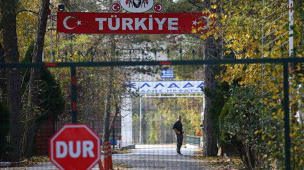 Türkiye'den sınır dışı edilen şahıs Yunanistan- Türkiye arasında bekliyor