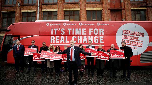 İşçi Partisi lideri Jeremy Corbyn ve seçim kampanyası ekibi