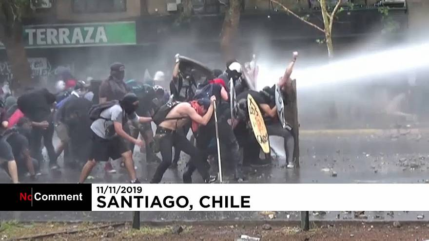 Már majdnem egy hónapja tüntetnek a chileiek