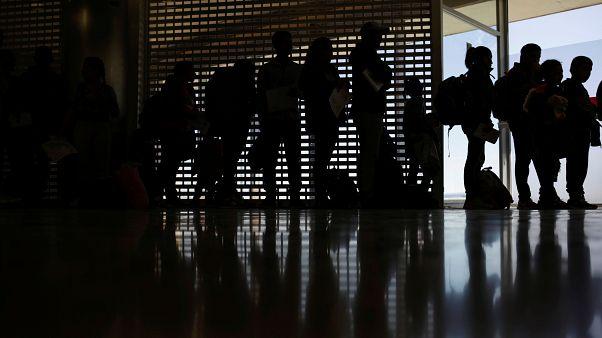 محكمة تقضي بعدم جواز تفتيش هواتف المسافرين إلى الولايات المتحدة