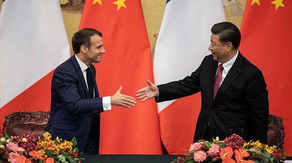 Fransa Cumhurbaşkanı Macron Pekin ziyaretinde Çin Devlet Başkanı Xİ ile el sıkıştı