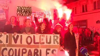 Ismét Polanski ellen tüntettek Párizsban