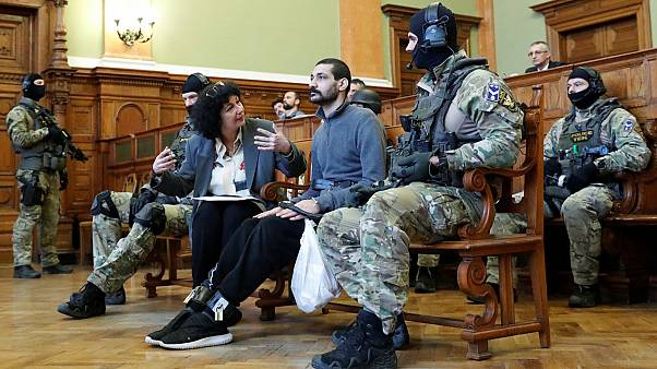 Hungria leva a julgamento alegado membro do Daesh
