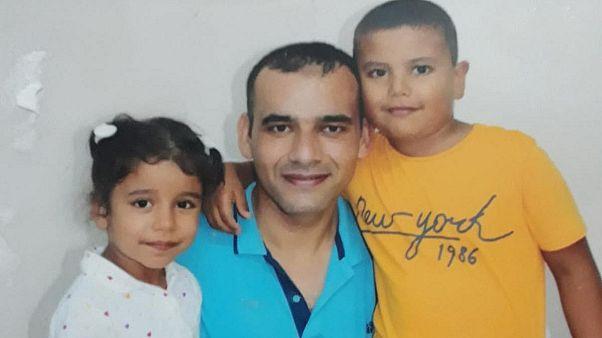 Ahmet Burhan Ataç, babası ve kardeşi