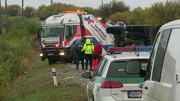 12 Todesofer bei Busunfall nahe Nitra