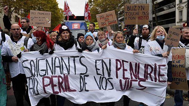 Personnels hospitaliers manifestant à Paris, le 14 novembre 2019