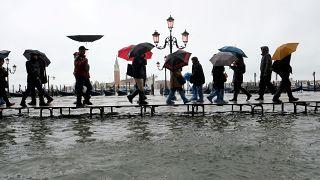 """Projeto contra inundações em Veneza avança a """"passo de caracol"""""""