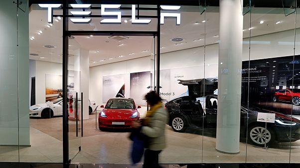 Berlin'de bir Tesla araba galerisi