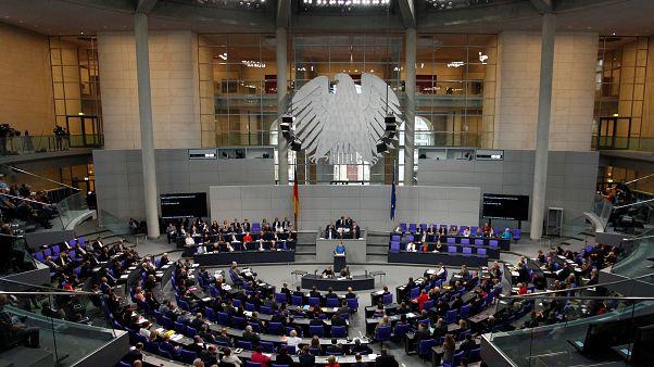 Soli fast weg: Die meisten Deutschen zahlen ab 2021 weniger