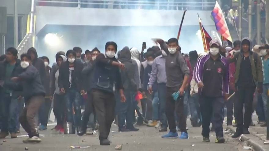 Βολιβία: Νέος κύκλος βίας μετά την ορκωμοσία μεταβατικής κυβέρνησης