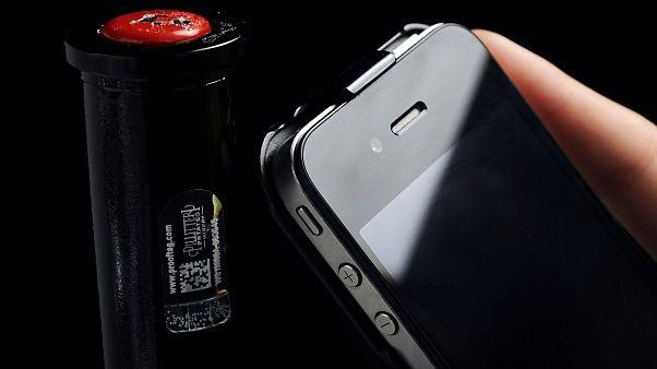 Çin'den 10 bin sahte iPhone ithal edip orijinalleriyle değiştiren çete yakalandı