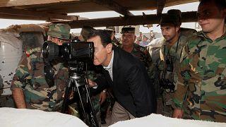 الرئيس السوري بشار الأسد خلال زيارة مفاجئة للقوات الحكومية السورية بمحافظة إدلب. 22/10/2019