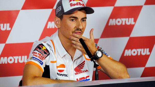 """MotoGp, Lorenzo si ritira: """"Non vale la pena continuare a soffrire"""""""