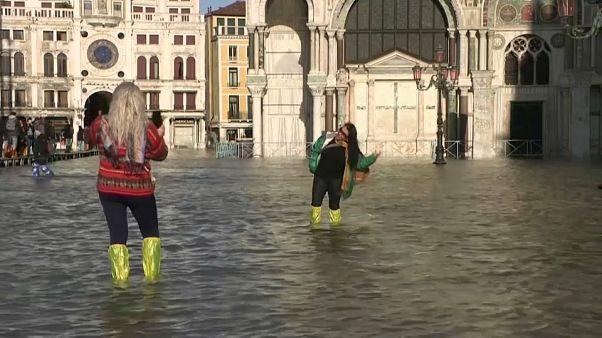 Kanallar şehri Venedik sular altında