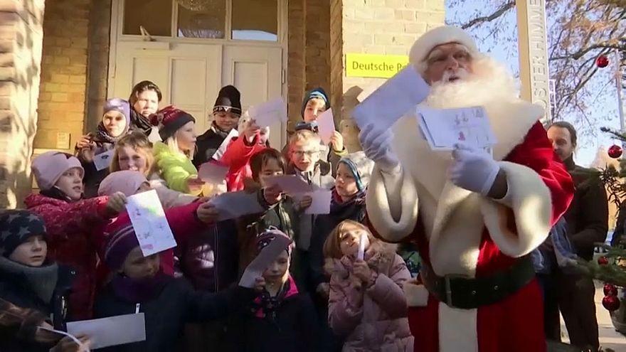 Ο Άγιος Βασίλης έφτασε στη Γερμανία