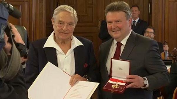 Soros György, a CEU alapítója és Michael Ludwig, Bécs főpolgármestere
