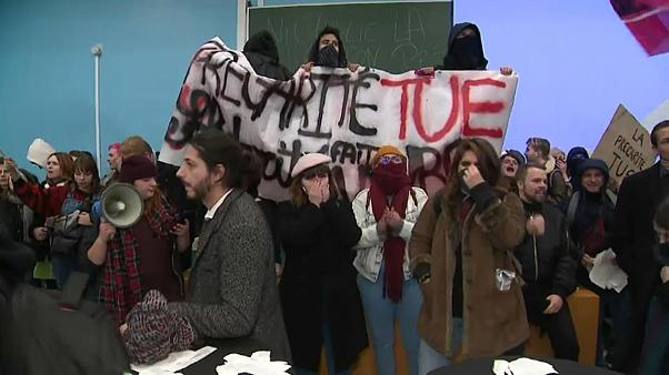 Precariedade estudantil em França