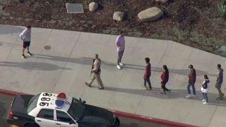 Le jour de ses 16 ans, un ado tue des camarades lycéens en Californie