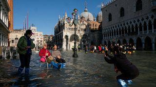 Su altında kalan Venedik'te 'acil durum' ilan edildi